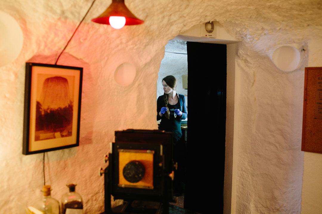 estudio de fotografía en una cueva en el Sacromonte Granada