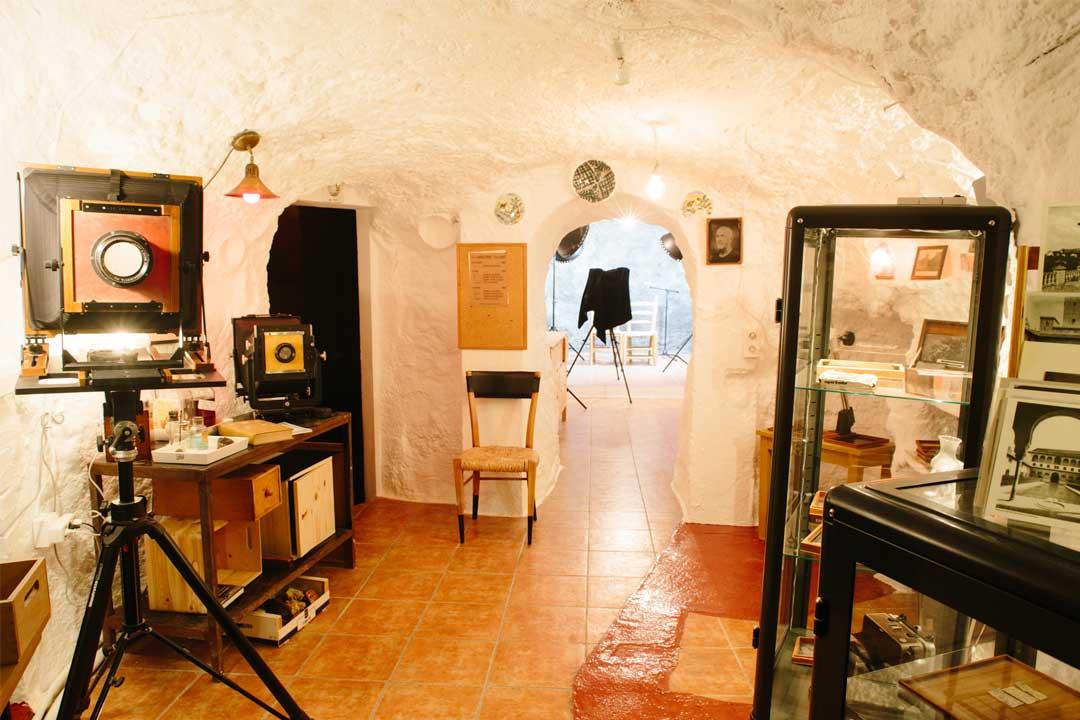 estudio de fotografía antigua en la cueva