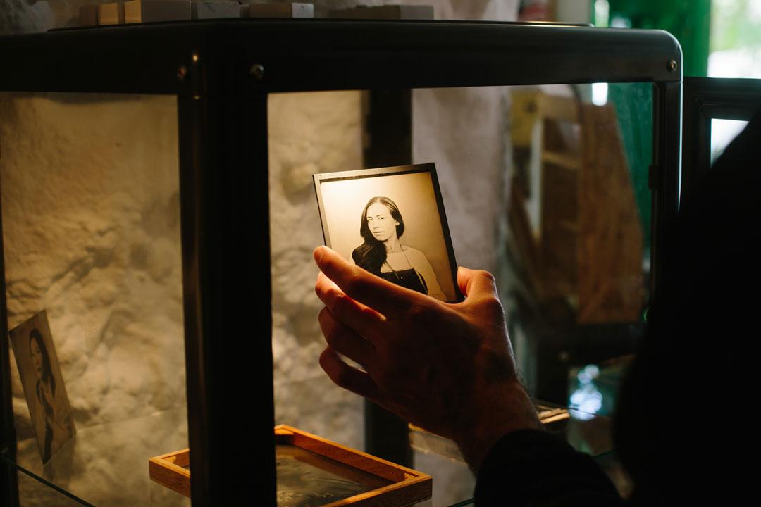 pequeño retrato al colodion húmedo El Laboratorio Sacromonte