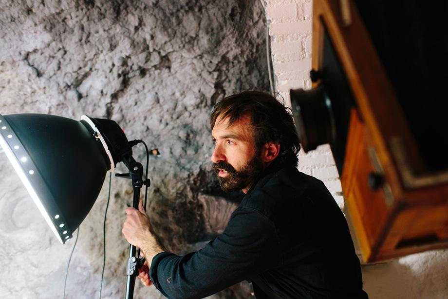 iluminación portrait photo in a cave El Laboratorio Sacromonte